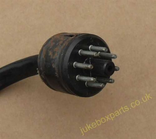 7 Pin Plug 28mm Approx (PS33)